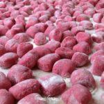 Gnocchi di barbabietola rossa con 3 varianti di condimento