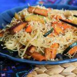 Settimana Veg: spaghetti di riso con tofu e verdure